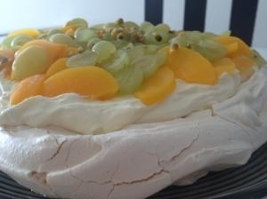 Pavlova hedelmillä pääsiäinen 2012