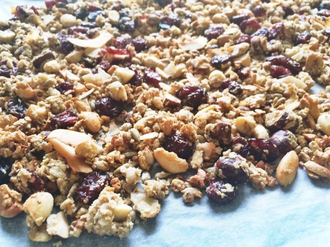 Granolaa pellillinen