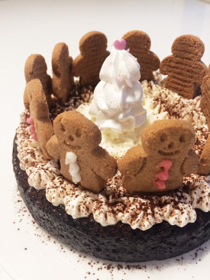Jouluinen suklaakakku (15)