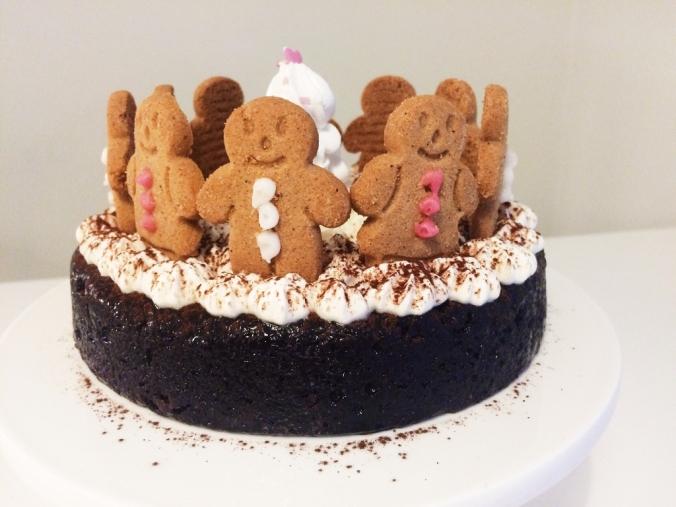 Jouluinen suklaakakku (16)