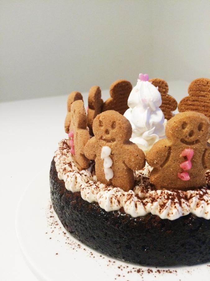 Jouluinen suklaakakku (17)
