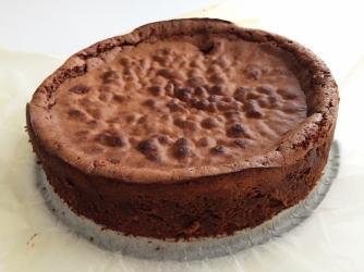 Naurettavan helppo ja hyvä suklaakakku (11)