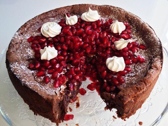 Naurettavan helppo ja hyvä suklaakakku (2)