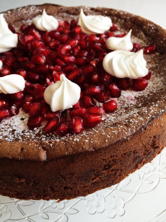 Naurettavan helppo ja hyvä suklaakakku (5)