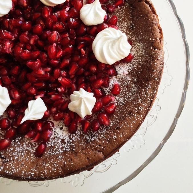 Naurettavan helppo ja hyvä suklaakakku (7)